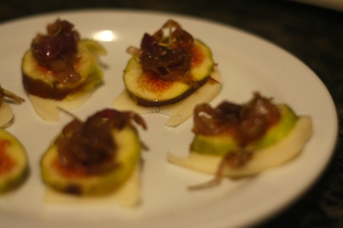 while you wait: layer cheese, fig, caramelized onion and snack.